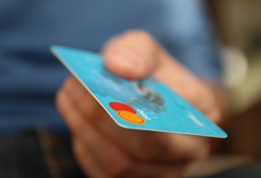 エクスペディアで予約したホテルをクレジットカードで現地払いで支払う